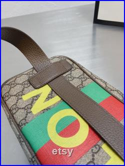 Fall in love with the Fanny pack at a glance, Fanny pack comes Hand bag, shoulder bag.
