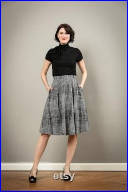 Midi skirt Livia with pockets in black and white pattern fabric