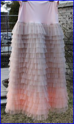 Romantic and luxurious ruffled long tulle skirt