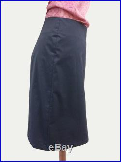 Skirt with crease