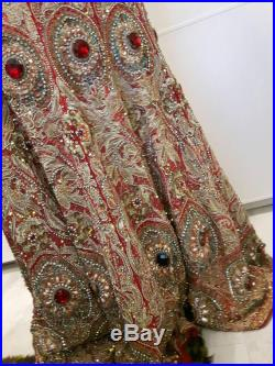 Top quality vintage bridal lengha skirt (mermaid shape) with the most amazing full cover hand embroidery in red, gold and green (size M)