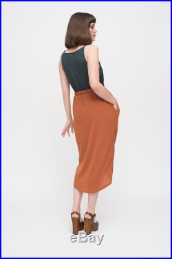 Tulip skirt with elastic waistband and pockets