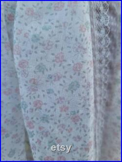 Vintage Gunne Sax Skirt 11 Small White Pink purple pastle floral Prarie skirt cottage core boho